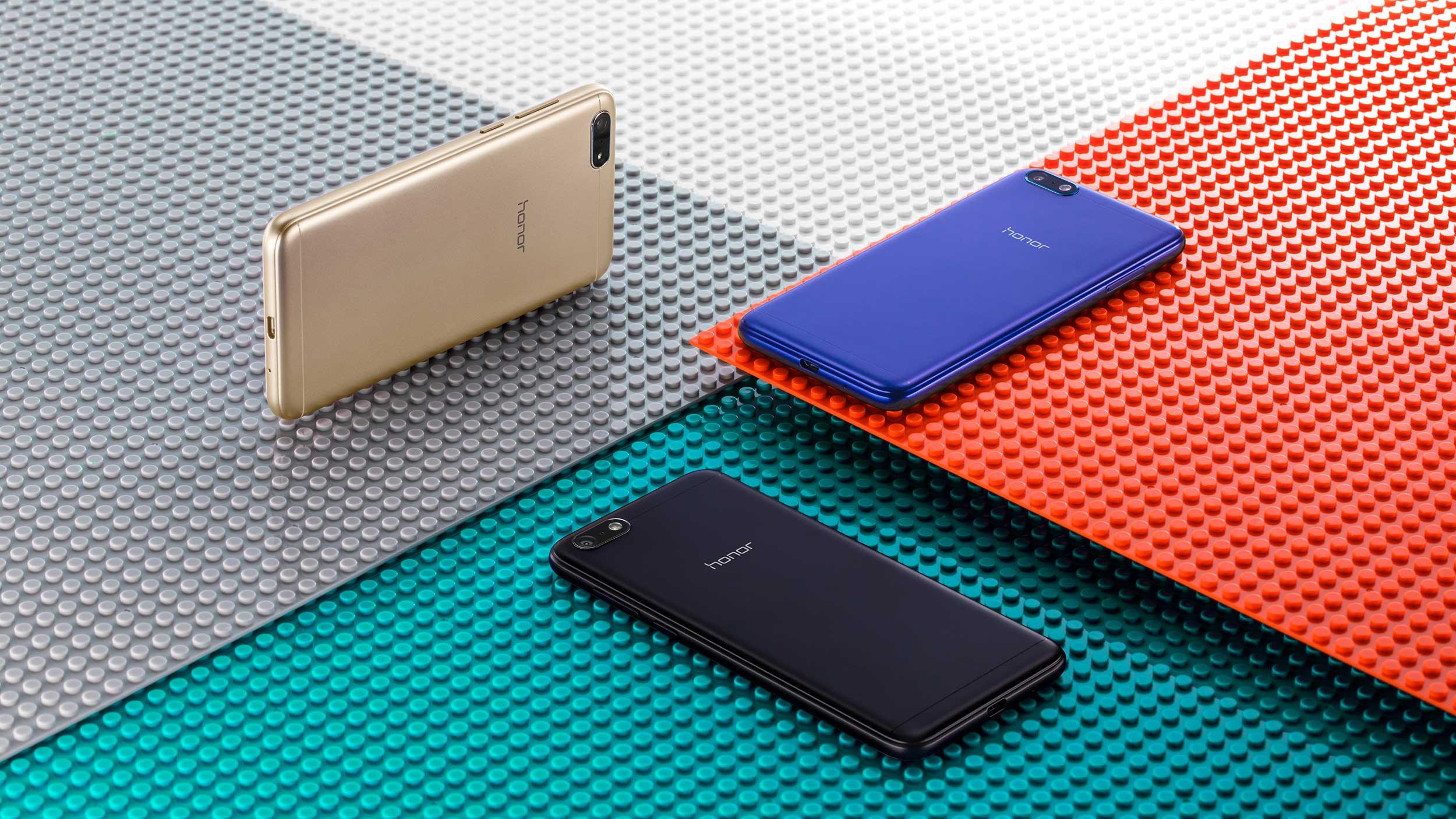 Das Einsteiger-Smartphone Honor 7S kommt in drei Farben auf den Markt. (Bild: Honor)